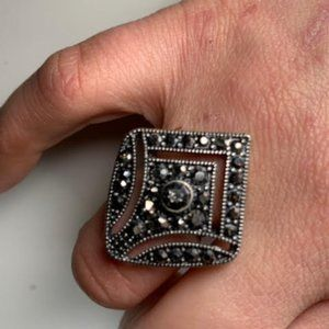 Lovely Vintage Marcasite Style Statement Ring